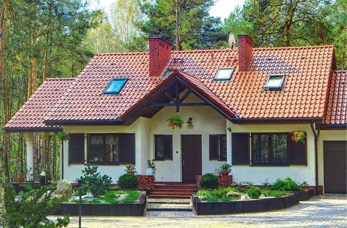 Dom z poddaszem czy piętrowy?