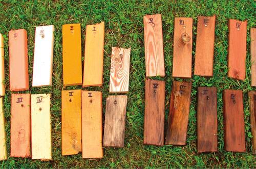 Test farb i impregnatów do drewna